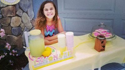 Dad blasts 'pathetic' man who called police about daughter's lemonade stand