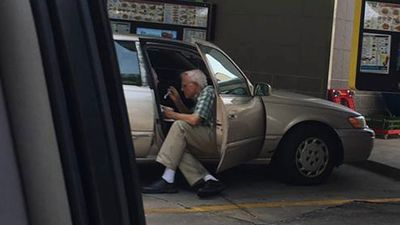 This elderly man feeding his wife ice cream proves that true love never fades