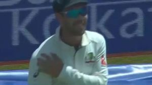 Maxwell mocks Kohli injury