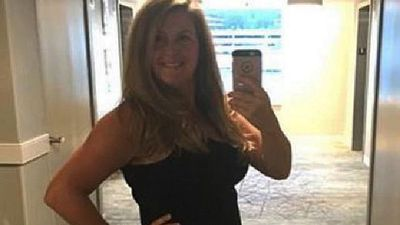 Mummy blogger defends 'unflattering dress'