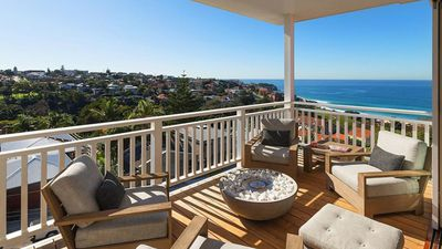 Life's a beach: Ocean-front Bronte house is whale-watchers paradise