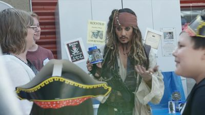 Captain Jack Sparrow surprises sick kids with special hospital visit