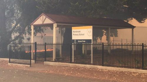The flames have also reached Kersbrook Primary School. (9NEWS)
