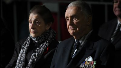 A war veteran at the dawn service in Sydney. (AAP)