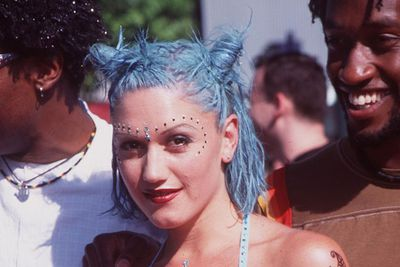 There's no doubt that blue isn't Gwen's (hair) colour. Hey, we can't all be Katy Perry! At least blonde has always worked for her.