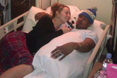 "Mariah Carey's hubby, singer Nick Cannon, ended up in an Aspen hospital after New Year, suffering ""mild kidney failure."" Mimi tweeted this pic of herself and Nick from inside his hospital ward."