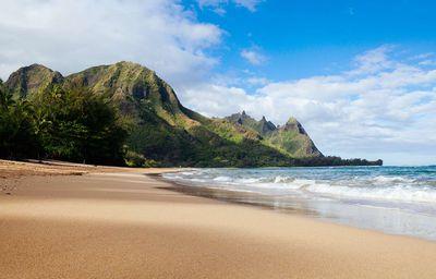 15. Tunnels Beach – Kauai, Hawaii