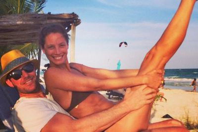 Christie relaxes with her actor husband Edward Burns at the beach, looking amazing at 46.