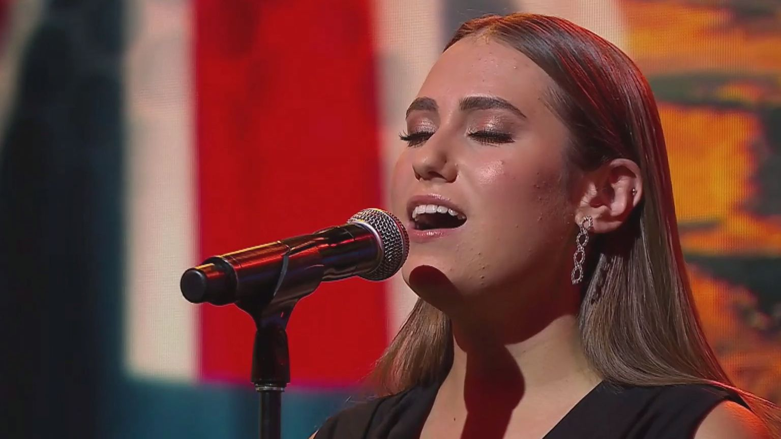 Wallabies star Kurtley Beale inspired by Olivia Fox's stunning encore performance of Indigenous national anthem