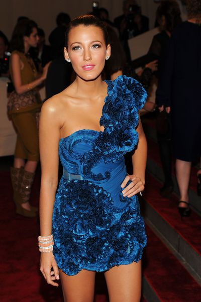 Lively's sun-kissed glow, slicked 'do and bold pink lip were a red-carpet standout at the 2010 Met Gala in New York.