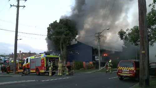 Fire crews at the huge blaze in Hornsby. (9NEWS)