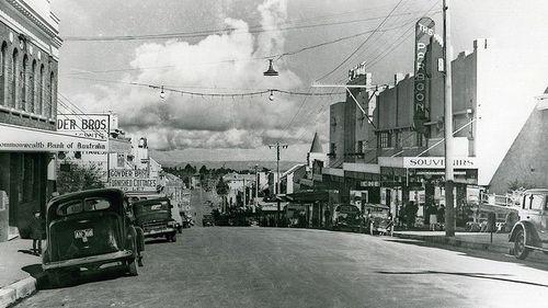 Katoomba street in 1940.