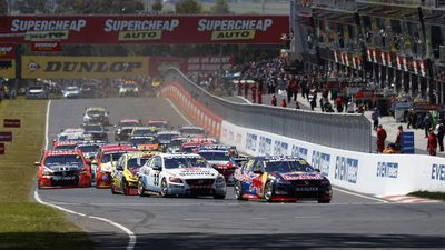 <strong>Whincup starts well</strong>