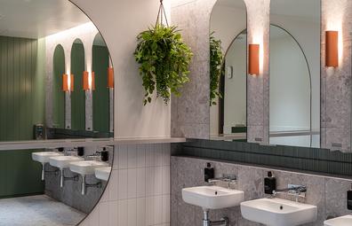 Virgin Australia Adelaide Lounge bathroom