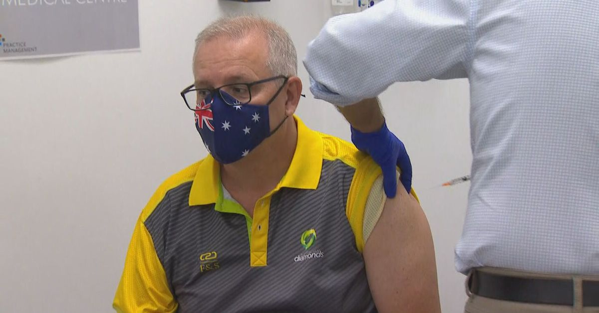 Prime Minister Scott Morrison slams 'misinformation' around COVID-19 vaccines as he receives second Pfizer jab – 9News