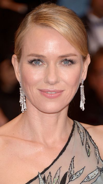 <p><strong>Naomi Watts</strong> was aglow.</p>
