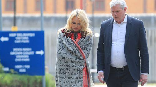 Julian Assange Pamela Anderson