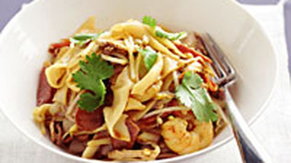 Fried flat noodles