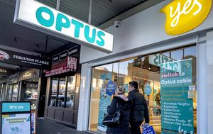 Optus hit with record fine for dodgy practice involving customers