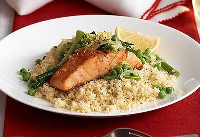 Salmon with peas and green onions