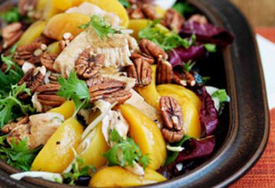 Smoked turkey, peach and fennel salad with balsamic dressing