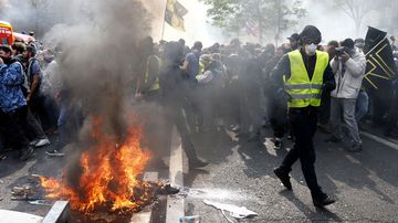 May Day yellow vests