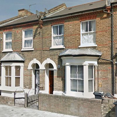 <strong>Natalie's Wandsworth terrace in <em>Love Actually</em> (2003)</strong>