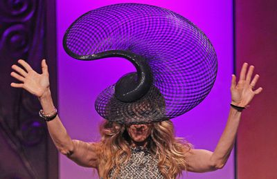 <p>Sarah Jessica Parker got into the spirit of Melbourne Cup madness at the annual Crown Ladies lunch on the eve of Oaks Day wearing this Philip Treacy hat in 2011. </p> <p>&nbsp;</p>