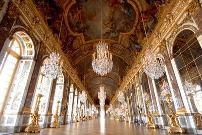 "<a href=""http://elsewhere.nine.com.au/destinations/europe/france/paris"" target=""_top""><strong>Paris</strong></a><strong>, France</strong>"