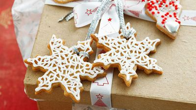 """<a href=""""http://kitchen.nine.com.au/2016/05/16/19/39/gift-tag-cookies"""" target=""""_top"""" draggable=""""false"""">Gift tag cookies<br> </a>"""