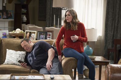 Kevin James and Erinn Hayes as Kevin and Donna in Kevin Can Wait