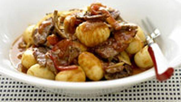 Beef and capsicum with gnocchi