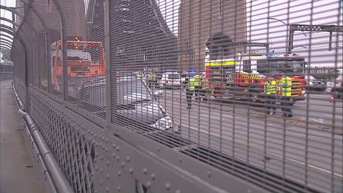 Sydney Harbour Bridge accident grinds traffic to a halt Dec 21/12