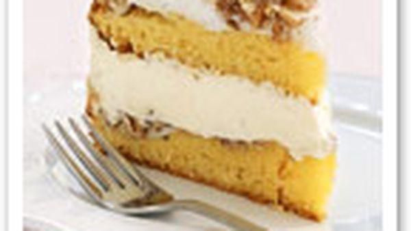 Almond meringue torte