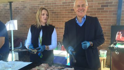The Prime Minister tweeted this photo with local Kerrie Beeby at the Penrith South Public School. (Twitter/@TurnbullMalcolm)