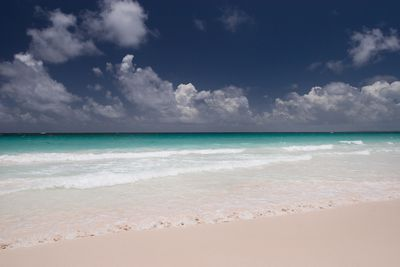 <strong>4. Pink Sands Beach,&nbsp;Bahamas</strong>