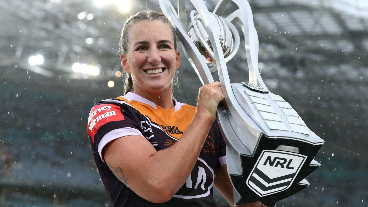 Ali Birigginshaw leads the Broncos to the third consecutive NRLW title. (Getty)