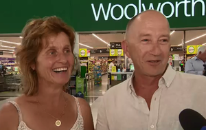 Couple who met at Queensland shopping centre wed in surprise ceremony outside Woolworths