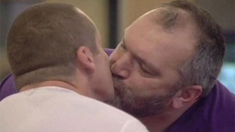 ryan moloney and neil ruddock kissing on celebrity big brother
