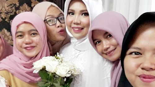 A selfie posted on Instagram of Indonesian bride Intan Syari in her wedding dress on what was intended to be her wedding day before her fiance's tragic death.