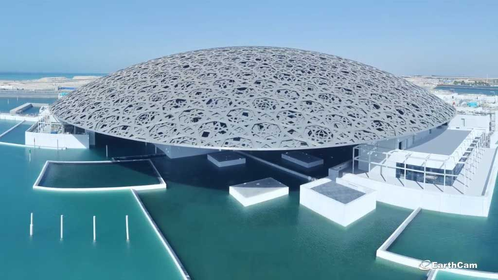 Time-lapse shows 8-year build of Louvre Abu Dhabi in 3 minutes