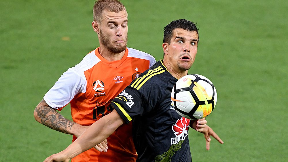 A-League: Eric Bautheac injured in draw between Brisbane Roar and Wellington Phoenix