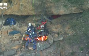 Fallen climber airlifted off Blue Mountains cliff