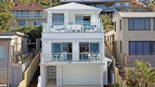How to buy a $3.8 million beachfront Sydney mansion for $5