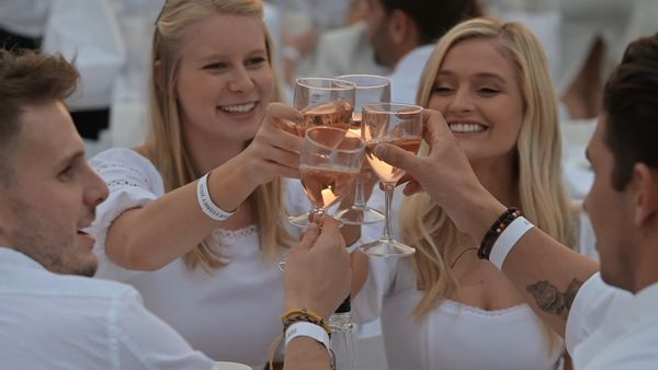 This is what Diner en Blanc looks like