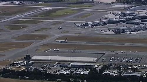Only one runway at Sydney airport is in use. (9NEWS)