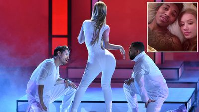 Iggy on how she works that booty…with the help of LA Lakers basketballer boyfriend Nick Young: