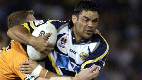 Ken McGuinness in action for the Cowboys in his final NRL season in 2002.