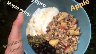 Raphaela Wiget's oats bowl breakfast