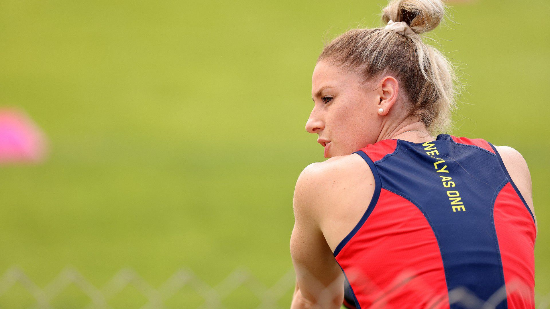 AFLW star's surprise anti-vaccination move